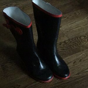 Stylish rain boots with small wedge heel